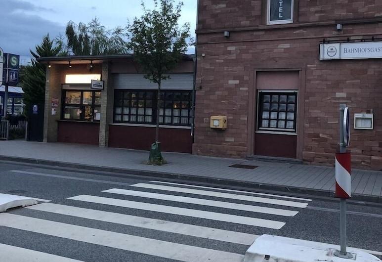 Stadtcafe-Hotel, Kelsterbach, Exteriör