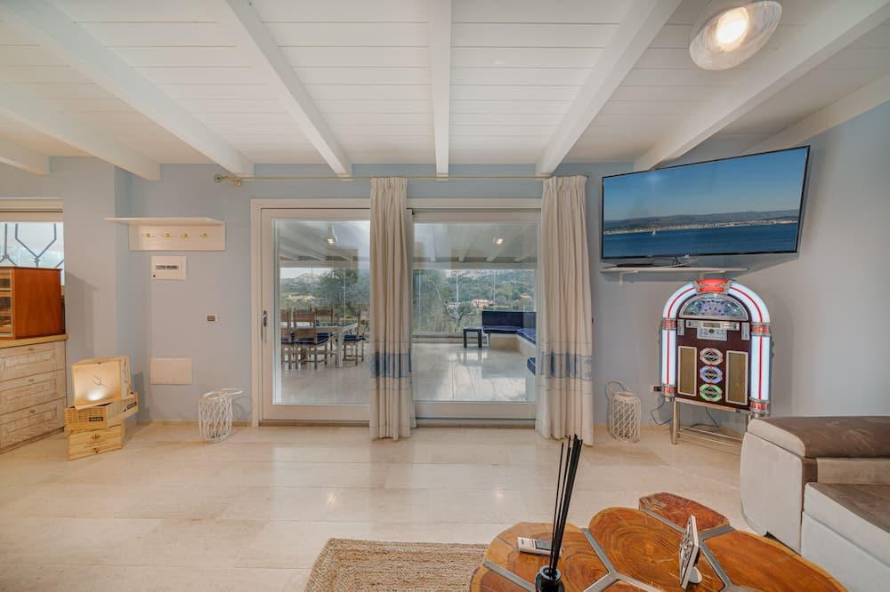 Luxury Room - Living Area