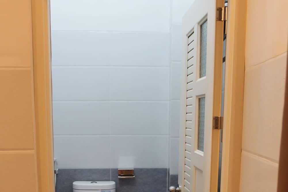 غرفة مزدوجة - بحمام خاص - حمّام