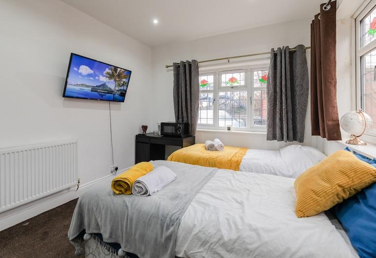 Short Term Guest Room, Гринфорд, Двухместный номер «Эконом» с 1 двуспальной кроватью, Номер
