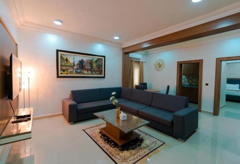 Phoenicia Suites, אבוג'ה, סוויטת דה-לוקס, 2 חדרי שינה, מטבחון, אזור מגורים