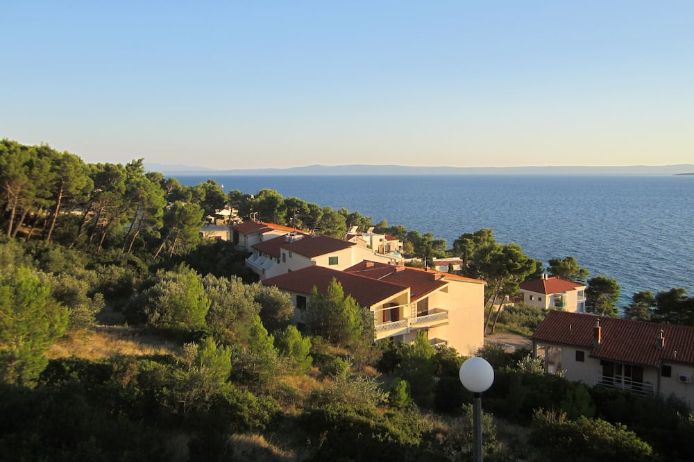 Panoramski studio suite, 1 spavaća soba, balkon, pogled na more - Pogled na plažu/ocean