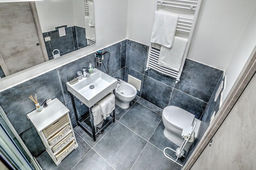 Double Room, Private Bathroom (External) - Bathroom