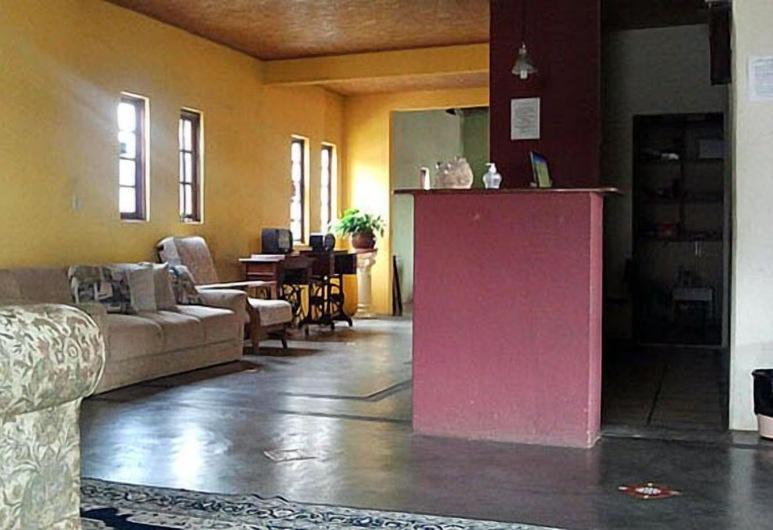ホテル ポウサダ ダ セラ, クアトロ バラス, フロント