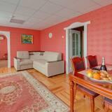 Suite, 1 Bedroom, Fireplace - Living Room