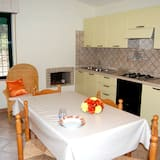 Apartment, 4 Bedrooms (Ginestra) - In-Room Dining