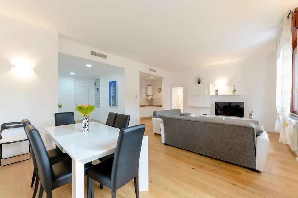 Apartment, 2 Bathrooms (2 Bedrooms) - Living Area
