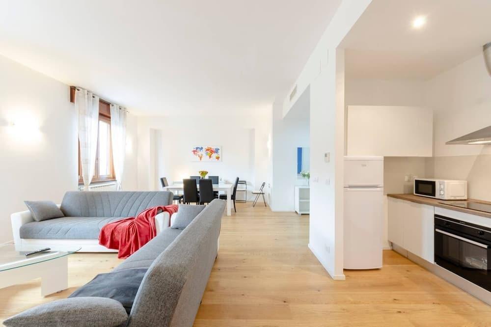Apartment, 2 Bathrooms (2 Bedrooms) - Living Room