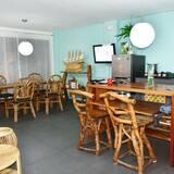 Suite, Balkon - Essbereich im Zimmer