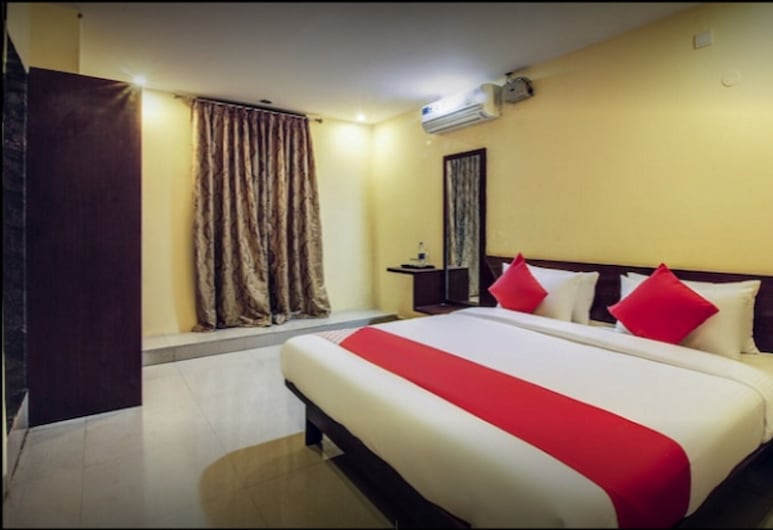 Grand Plaza, Dharwad, Deluxe Double or Twin Room, Room