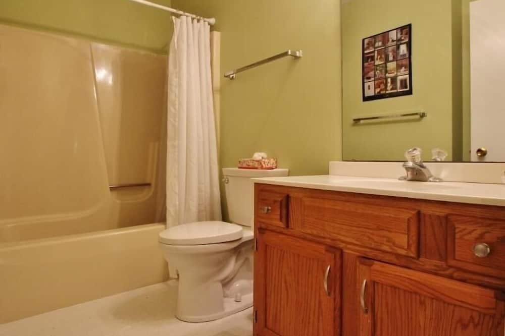 ทาวน์โฮม, 3 ห้องนอน - ห้องน้ำ