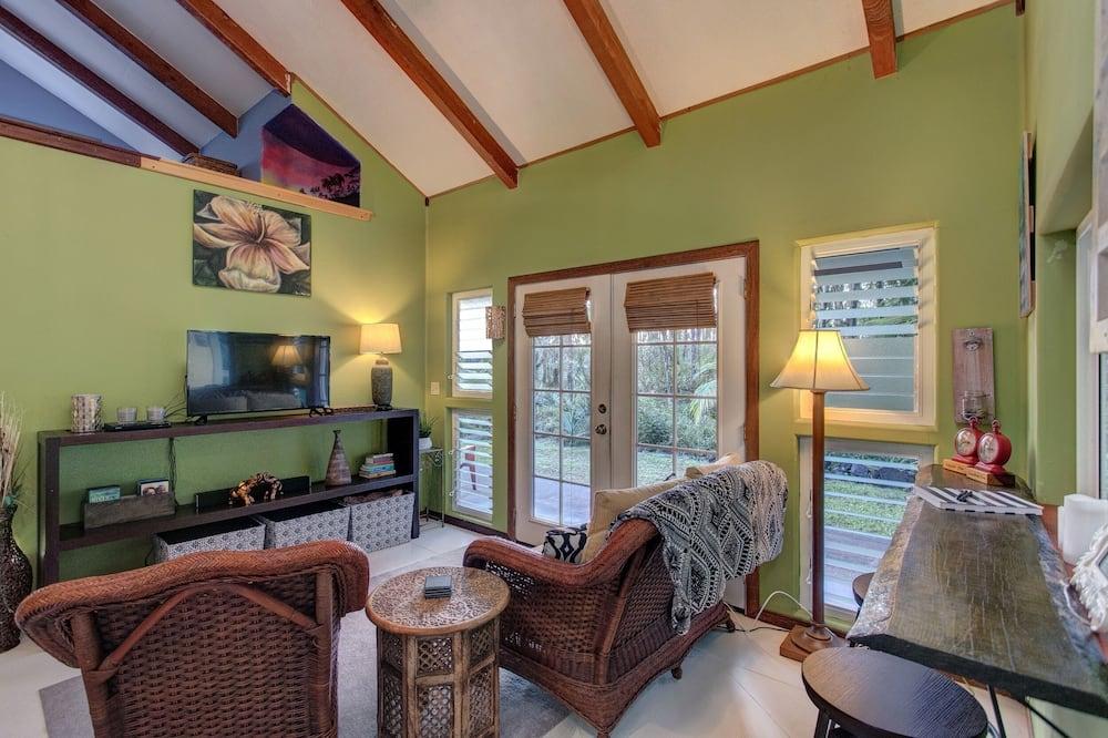 House, 1 Bedroom - Living Room