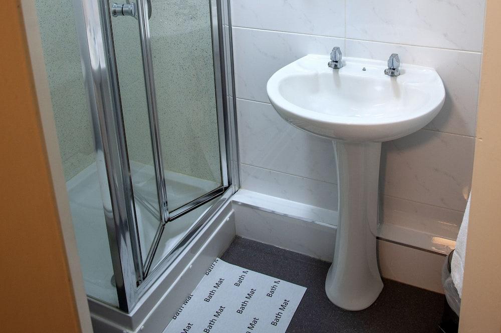 Tvåbäddsrum - privat badrum - Badrum