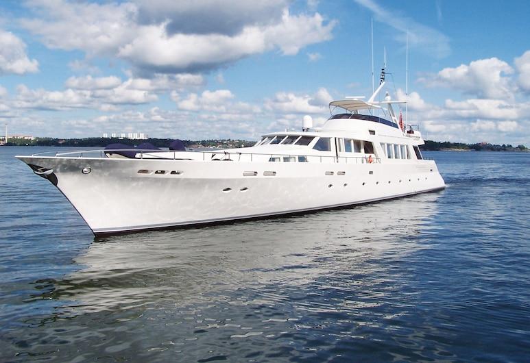 United Spirit Yacht, Trosa