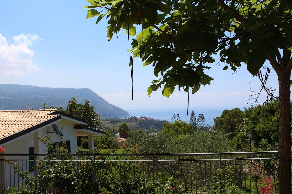 Villa Panoramique, 2 chambres, vue mer, rez-de-chaussée (Villa Faro n 2) - Vue sur l'eau