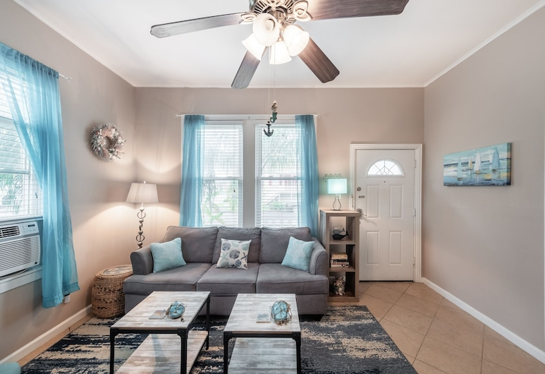 Ocean Blue And Ocean Breezes 2 Bedroom Home, Galveston, House, 2 Bedrooms, Room