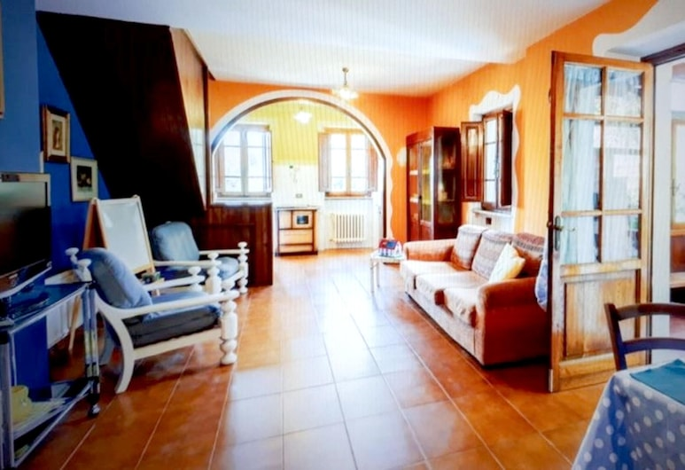 House With 4 Bedrooms in Gombitelli, With Enclosed Garden and Wifi - 15 km From the Beach, Camaiore, Nappali