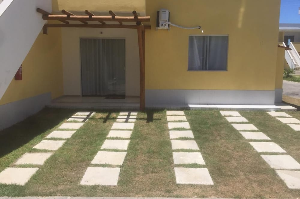 Apartment Located at 400 m From Praia Mutá and Close to all Shopping Center
