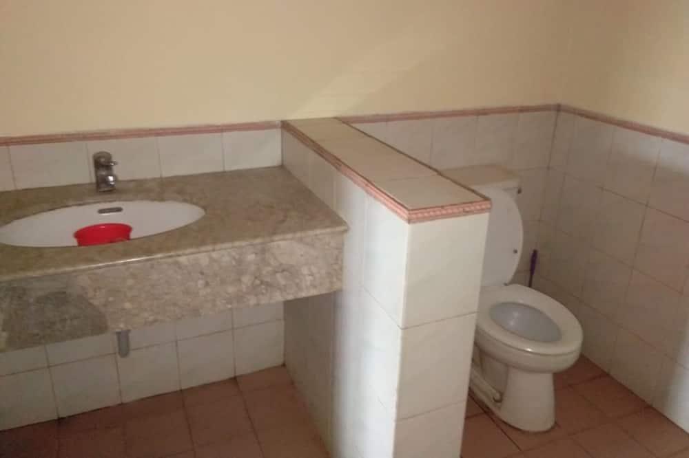 Apartamento, 2 habitaciones - Cuarto de baño
