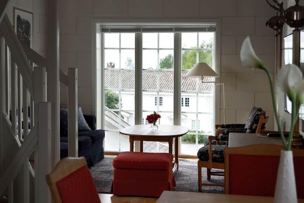 Tårnsuite - אזור אוכל בחדר