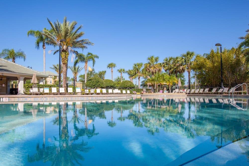 Vista Cay Resort Direct by Millenium Management