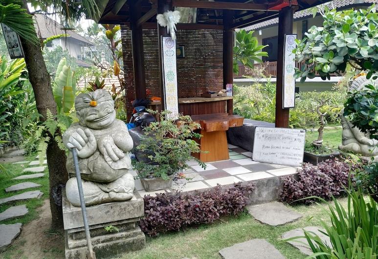 Putu's Paradise Guesthouse, Ubud, Réception