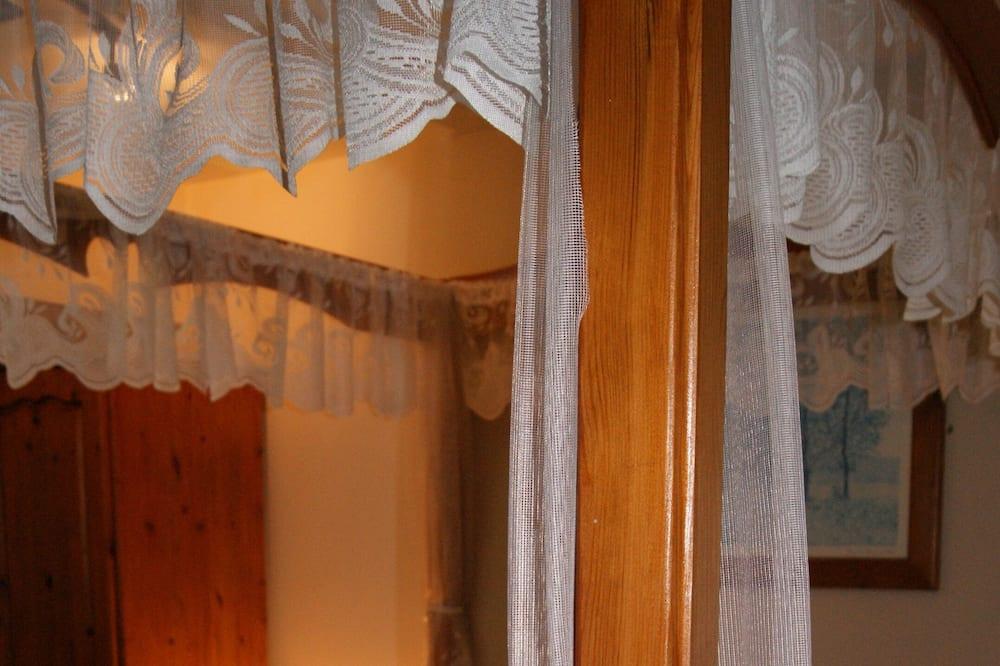 Double Room (Room 10 Four poster) - Bilik Tamu