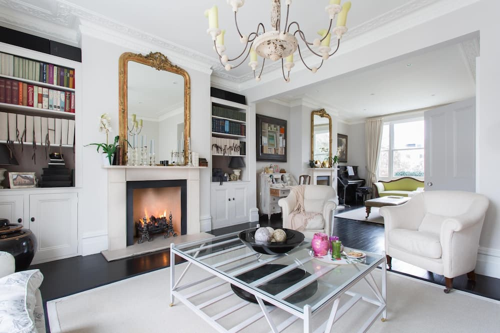 Walham Grove by Onefinestay