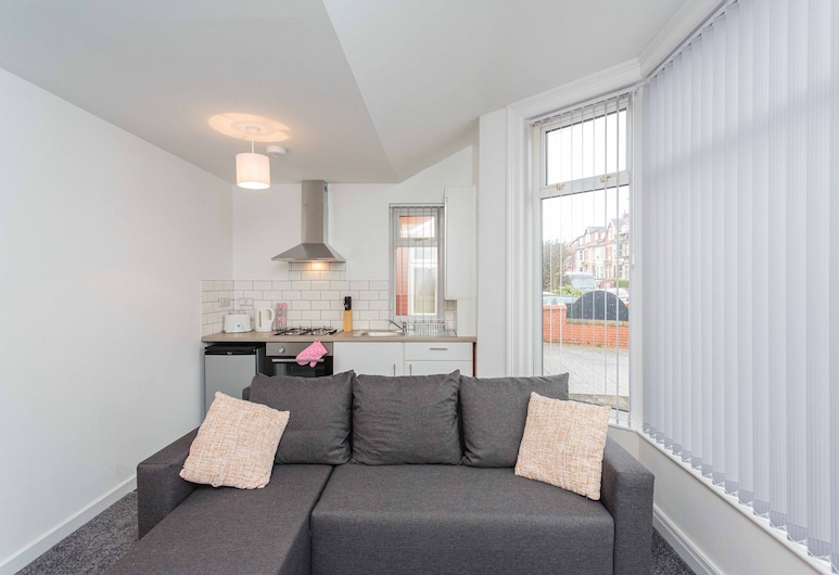 Cherry Property - Hornby Road, Blackpool, Lounge