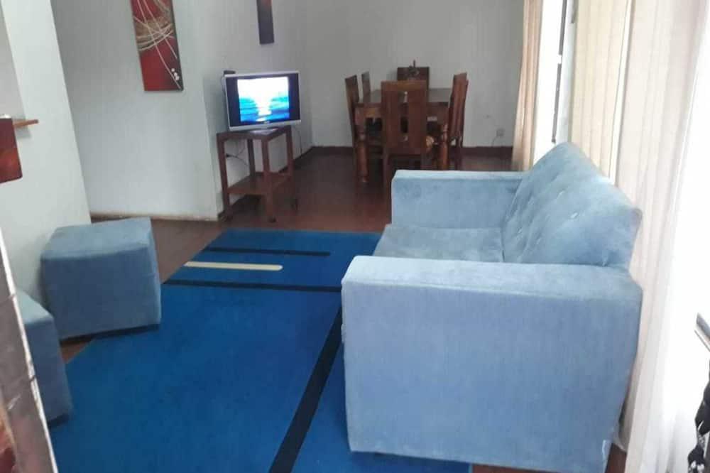 Casa, várias camas - Sala de Estar