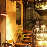 The Suite Hostel by Cafeplus Coffee - Adults Only