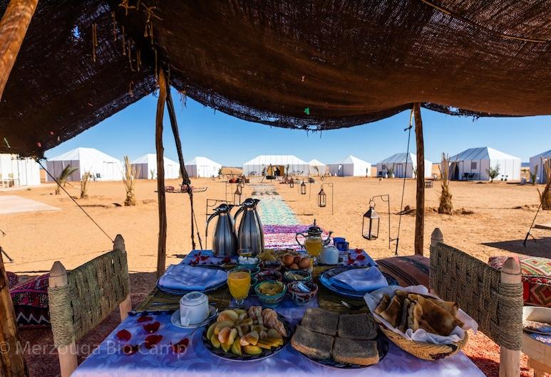 Merzouga Bio Camp, Риссани, Обед на террасе
