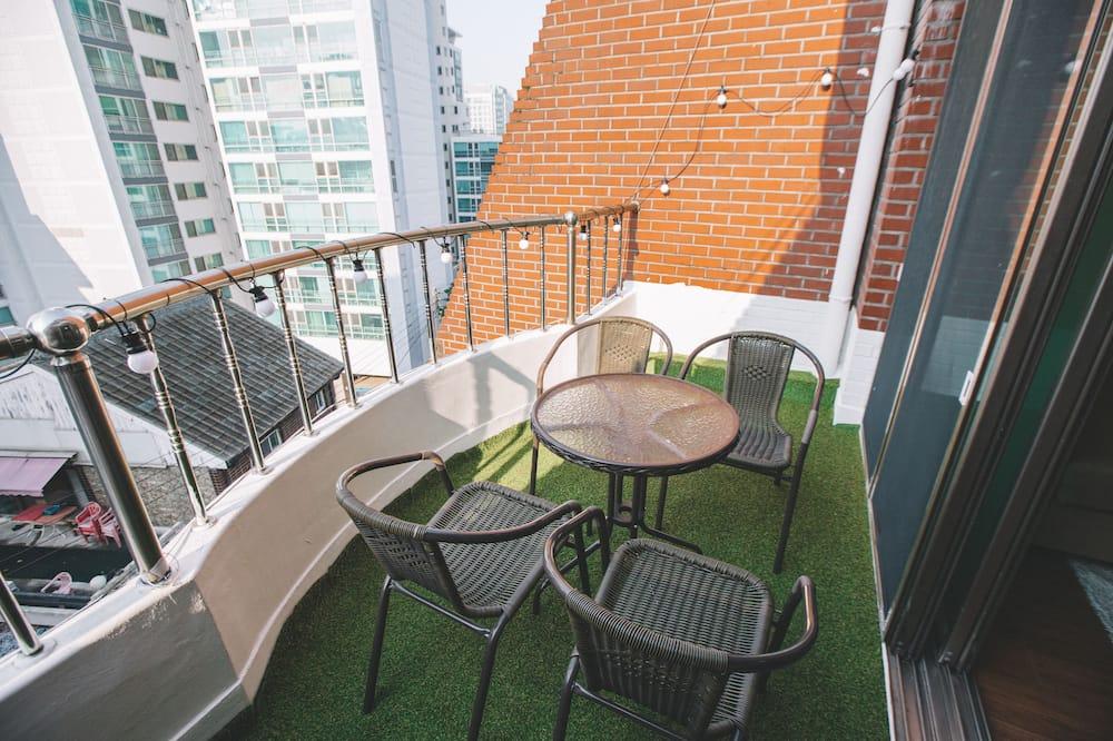 Коттедж (Mint House) - Балкон