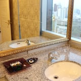 Executive Suite, 1 Bedroom - Bathroom Sink