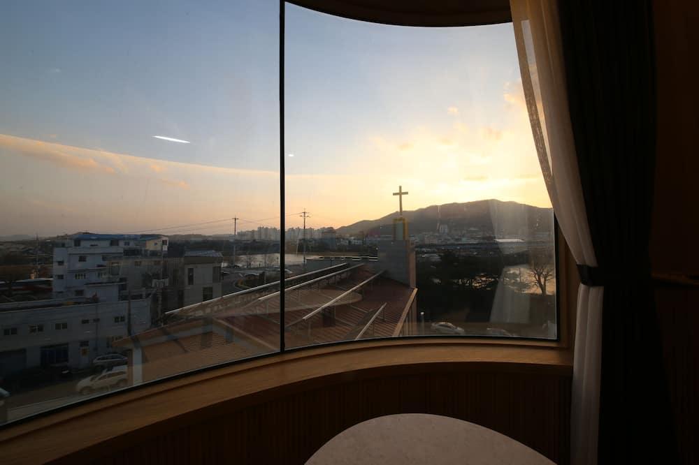 Divine Suite River View (No Breakfast provided on Mondays) - Kilátás a városra