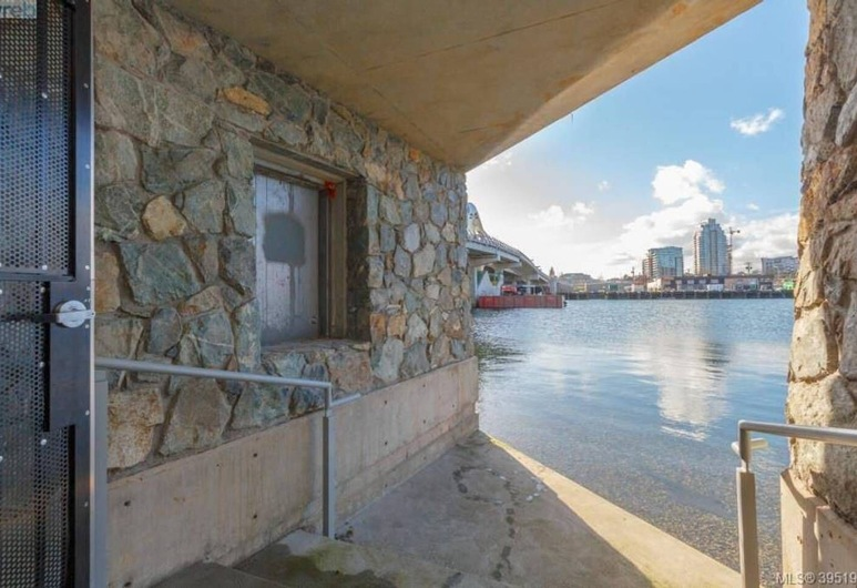 Victoria Harbour View Suite- slp 4, Victoria, Balcón