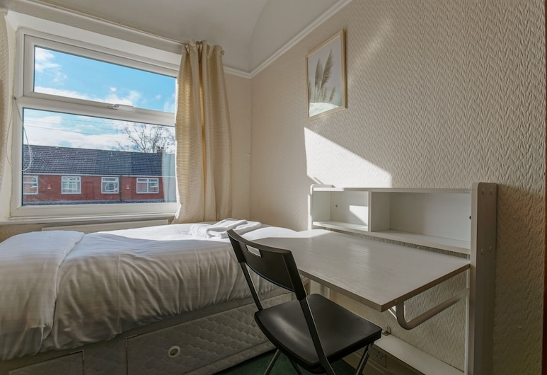 Spacious & Clean House for up to 7, Manchester!, Manchester, Hus (4 Bedrooms), Værelse
