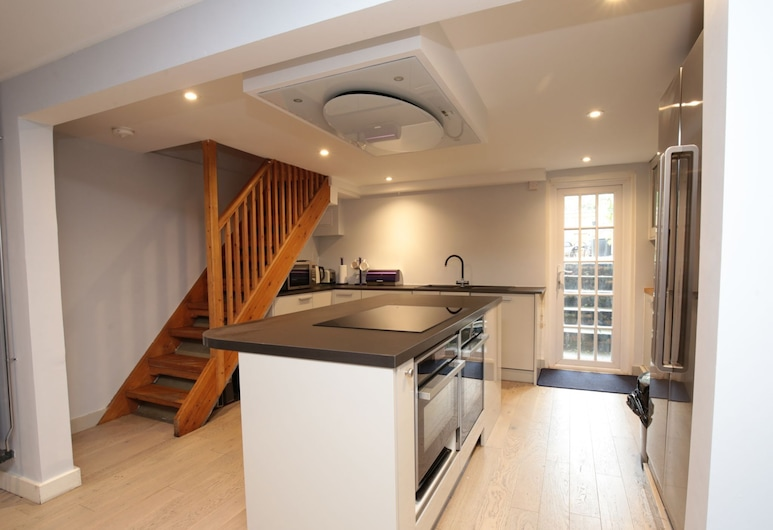 Stunning Central Oxford 3BR Home Inc. Parking, Oxford, Private kitchen