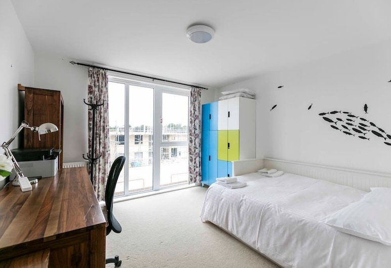 Trendy Sunlit 2BR Cambridge Home /free Parking, Cambridge, Lejlighed (2 Bedrooms), Værelse