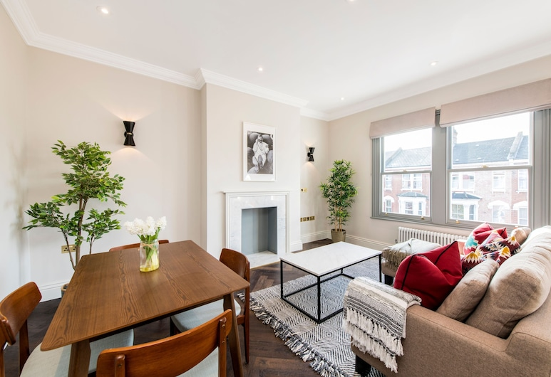 Alluring, Modern and Creative 2BR With Terrace, London, Leilighet (2 Bedrooms), Stue