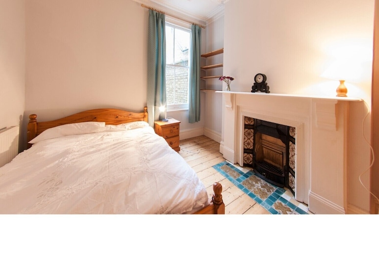 Lovely, Spacious and Bright Garden Flat in Clapham, London, Apartment (1 Bedroom), Zimmer