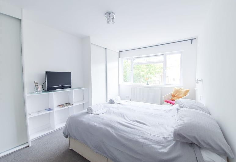 Lovely, Recently Renovated Maisonette in NW London, لندن, الغرفة
