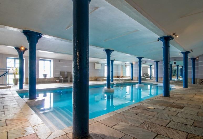 Luxury 2BD Penthouse, Private Lift & Swimming Pool, Glasgow, Baseinas
