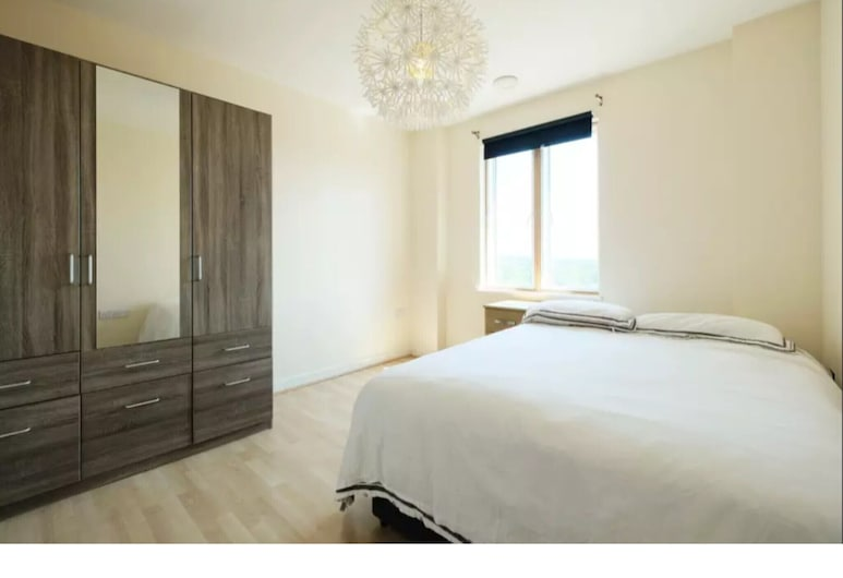 Bright and Spacious 2-bedroom Flat, Sleeps 4, London, Apartment (2 Bedrooms), Zimmer