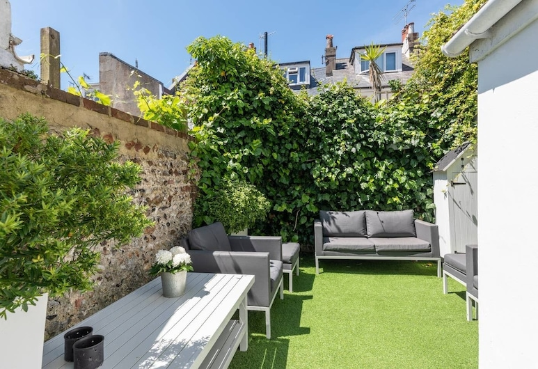 Central Town House With Garden 2 Mins From Beach!, Brighton, Hus (3 Bedrooms), Altan
