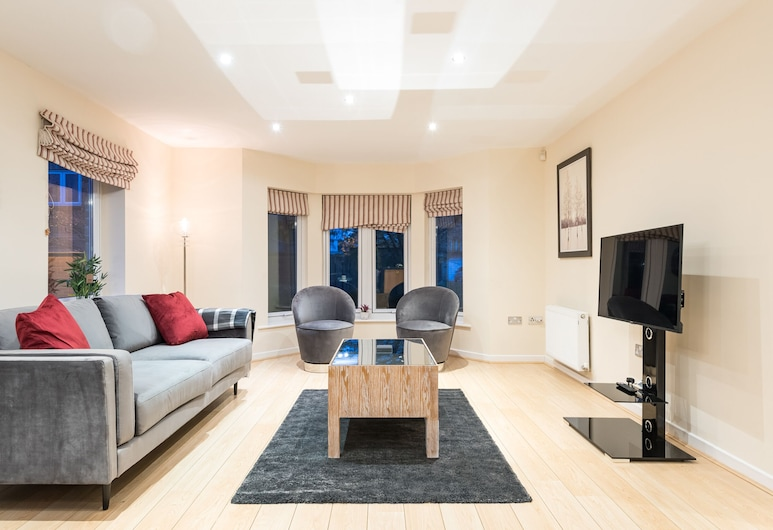 Modern Smart Open Plan Living With Free Parking, York, Apartment (2 Bedrooms), Living Room