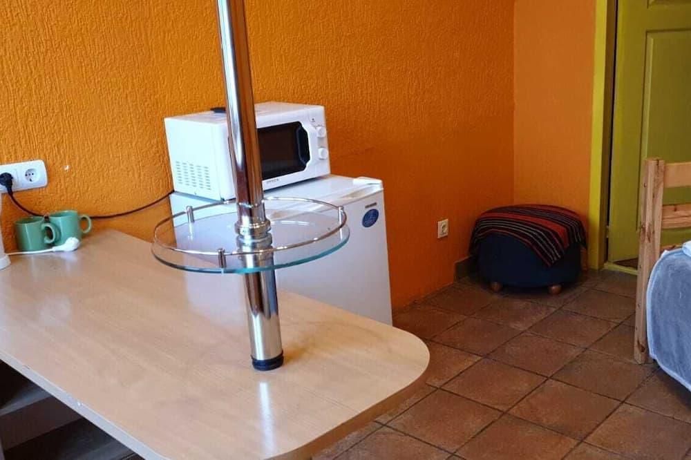 Phòng, Phòng tắm dùng chung - Ăn uống tại phòng