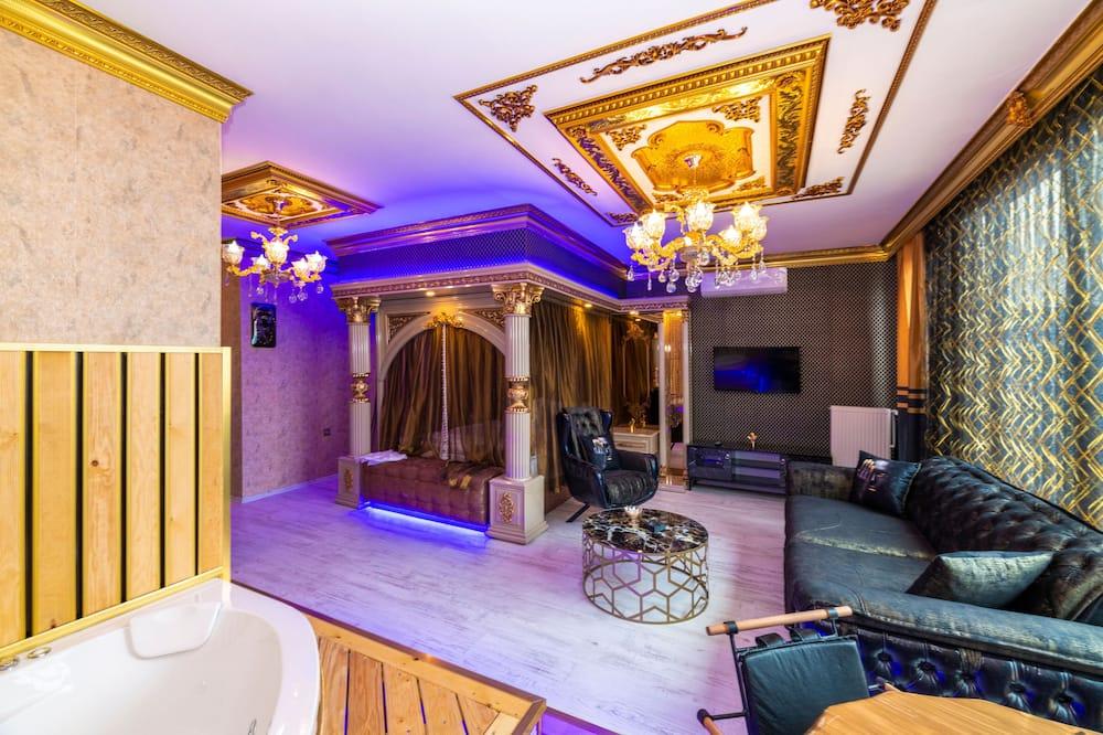 Royal Studio Suite - Living Area