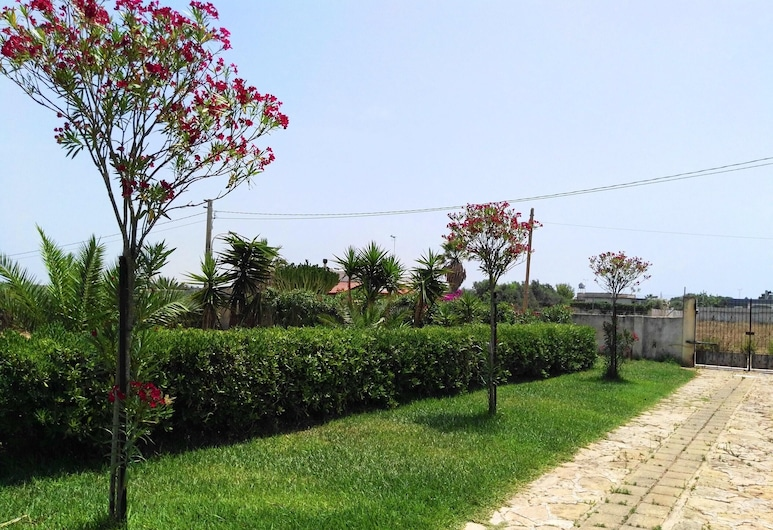 アパートメント ウィズ ワン ベッドルーム イン マザラ デル ヴァロー ウィズ エンクロゼド ガーデン - 500 M フロム ザ ビーチ, Mazara del Vallo, 庭園