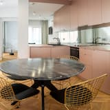 Deluxe Apartment - In-Room Dining